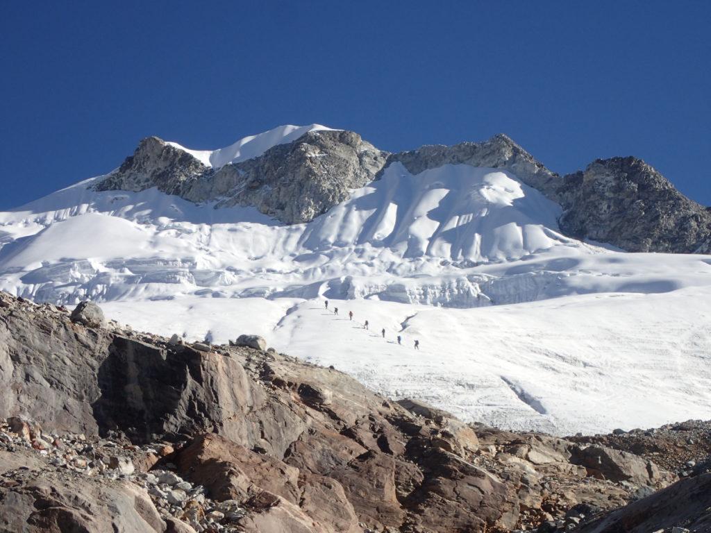 Group roped up on Yala Glacier