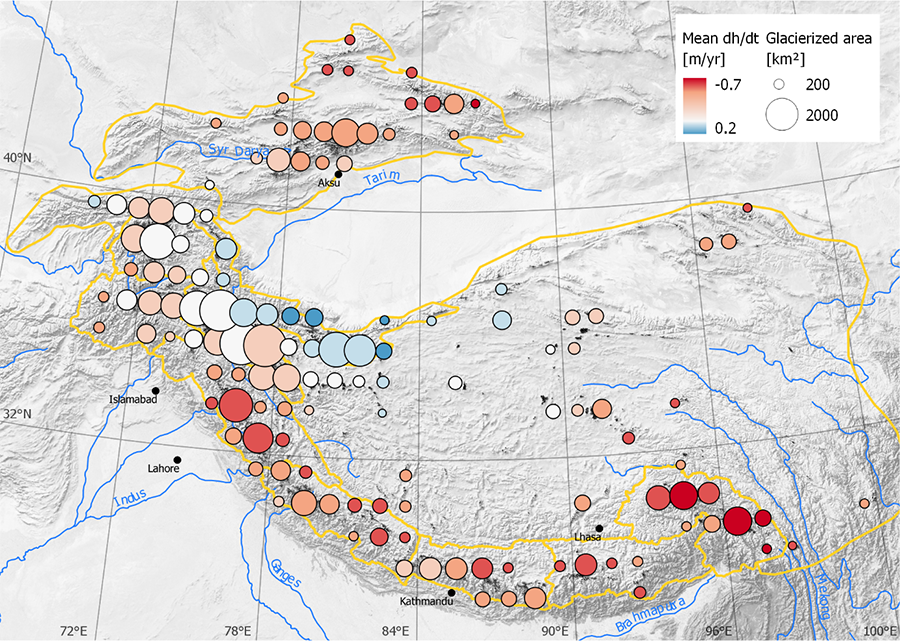 Rate of glacier elevation change (in m/yr) for the period 2000-2016. Red dots represent area where glaciers are thinning and blue dots area where glaciers are thickening.